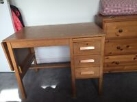 Vintage desk, small and in fantastic condition