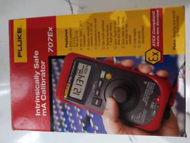 Fluke Intrinsically safe calibrator