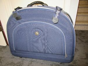 "30"" Sphere suitcase/luggage by Samsonnite"