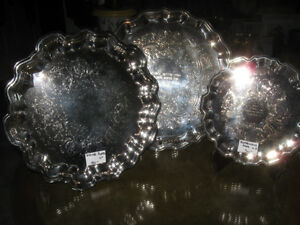 3 BEAUTIFUL MATCHING ROUND ORNATE SILVER-PLATED SERVING TRAYS