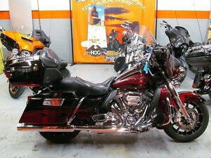 2011 Harley-Davidson FLHTCUSE8 - CVO Ultra Classic Electra Glide