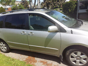 2004 Toyota Sienna Van; 8 seater; fully loaded;FREE WINTER TIRES
