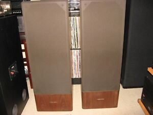 VINTAGE REALISTIC T120 SPEAKERS AND ORGINAL BOXES