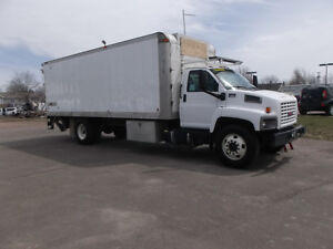2008 GMC 6500 AUTOMATIC 24FT BOX REAR LOADING RAMPS AMHERST NS