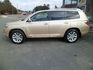 SOLD!!    2009 Toyota Highlander Hybrid Limited AWD