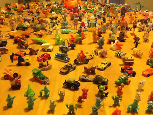 *WOW* 250 COMPLETE KINDER EGG TOYS AND GIANT BAG OF PARTS London Ontario image 6