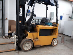 Forklift Electric low hours 7000 lbs 2014 battery ,MUST SELL ALL