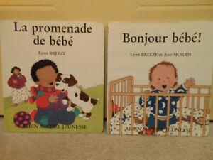 2 livres cartonnés pour jeunes bébés