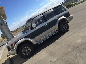 Pajero fully loaded+remote start+7pass