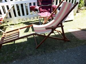 VINTAGE REDWOOD LOUNGER