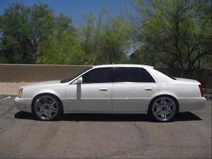 2002 Cadillac DeVille white Sedan