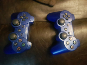 2 Ps3 controllers and 5 games