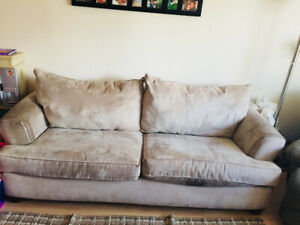 ***** CURB ALERT!!!! **** free couch