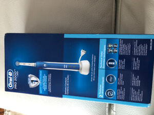 ORAL B PRO 2000 brush with charger