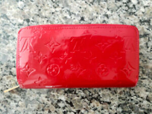Authentic LOUIS VUITTON Vernis Leather Zippy Wallet in Cherry