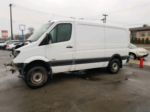 Mercedes Benz Sprinter 2010 doodge for parts