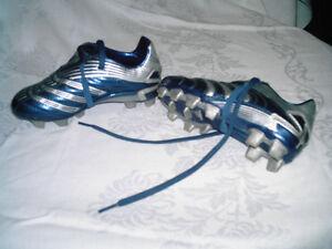 Girls ADIDAS Soccer Outdoor Shoes size 11