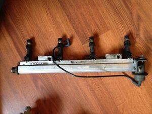 2000-2002 Stock 2.4L Fuel Rail, Injector's and Fuel Presure Reg.