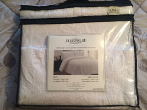 Eleonore 3 piece quilt set king size (brand new)