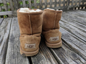 Girl's light brown Ugg boots size 4