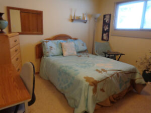 ROOM FOR RENT - FEMALE STUDENT