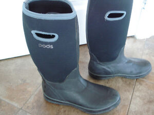 Shoes and rain boots men size 8 London Ontario image 8