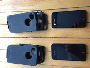 2 x Iphone 4s - Bell Mobility (locked)
