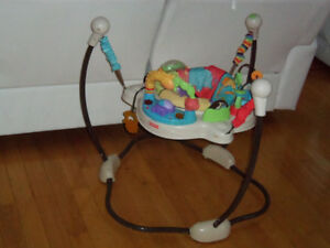 Jumperoo exerciseur fisher price