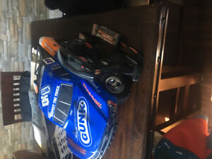 Gunk 2WD RC car