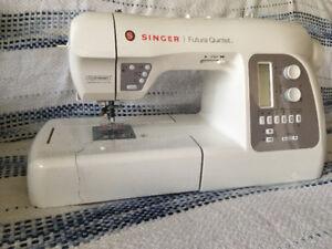 Singer 5-in-1 Futura 5 Quintet Computerized  Sewing  Machine