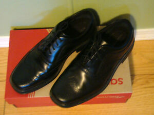 Men's Black Leather Rockport Dress Shoes Size 7 NEW