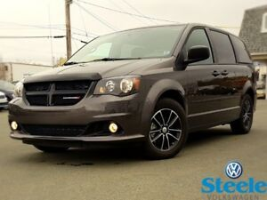 2017 Dodge GRAND CARAVAN BLACK TOP - Low Mileage, One Owner, Tra