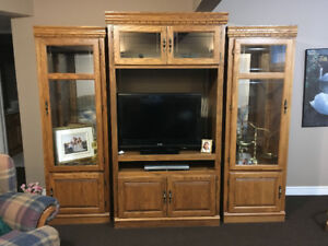OAK Entertainment Unit - plus a FREE TV to go with