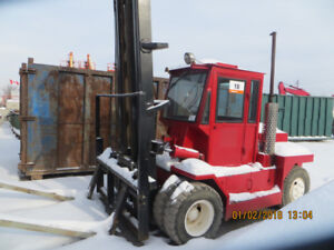 15 000 LB CAPACITY TAYLOR FORKLIFT
