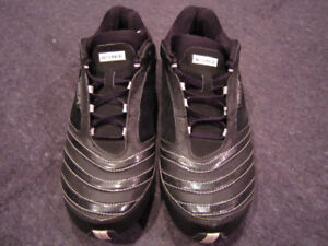 Mens Adidas Bounce Modulate size 10 running shoes