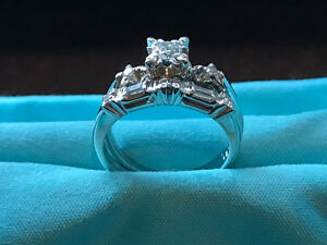 18K White Gold Diamond Engagement & Wedding Rings