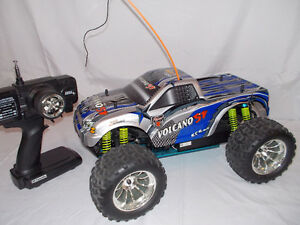 1/10 SCALE REDCAT 4WD NITRO POWERED R/C MONSTER TRUCK NEW