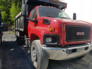 2005 GMC 8500 Dump Truck For Sale