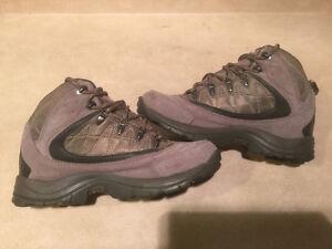 Women's Hi-Tec Waterproof Winter Boots Size 8 London Ontario image 6