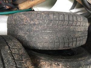 Pneus d hiver et tapis il étais sur mon camion f150 Ford 2016