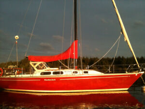 Crown 34 Sailboat - Cracker Jack