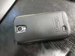 Samsung Galaxy S4 with Otterbox Case