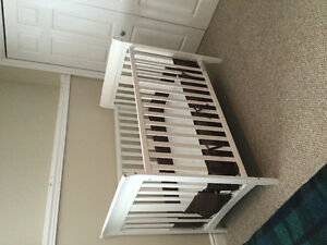 Three in one crib, mattress, breathable bumper pads,