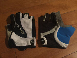 Sugoi cycling gloves (men's large) - brand new