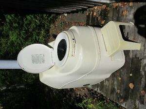 Sun-Mar EXCEL NE Composting Toilet - Non Electric Kawartha Lakes Peterborough Area image 1