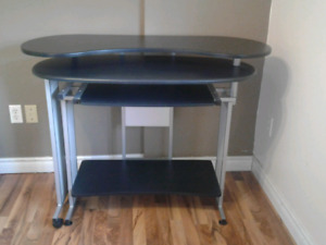 Nice desk for sale!