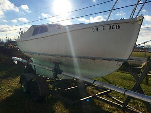 Nordica 20' Sailboat with Trailer