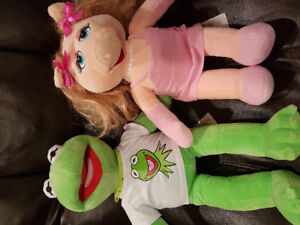 Kermit the Frog and Miss Piggy Build A Bear Puppets