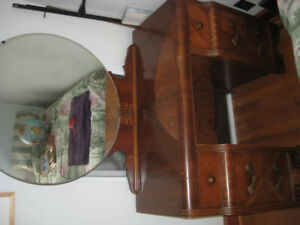 Antique dressing table (Vanity)