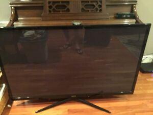 "60 "" Samsung plasma smart tv---cracked screen"
